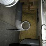 長年使用しているため、配管内の汚れも目立つ。
