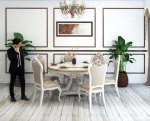 西洋のアンティーク家具が好きな方はあえてレトロなフローリングを選ぶ